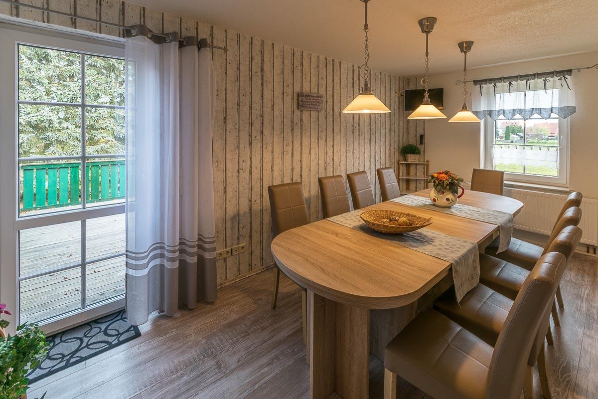 Ferienwohnung Adamsberg - Esszimmer mit Esstisch