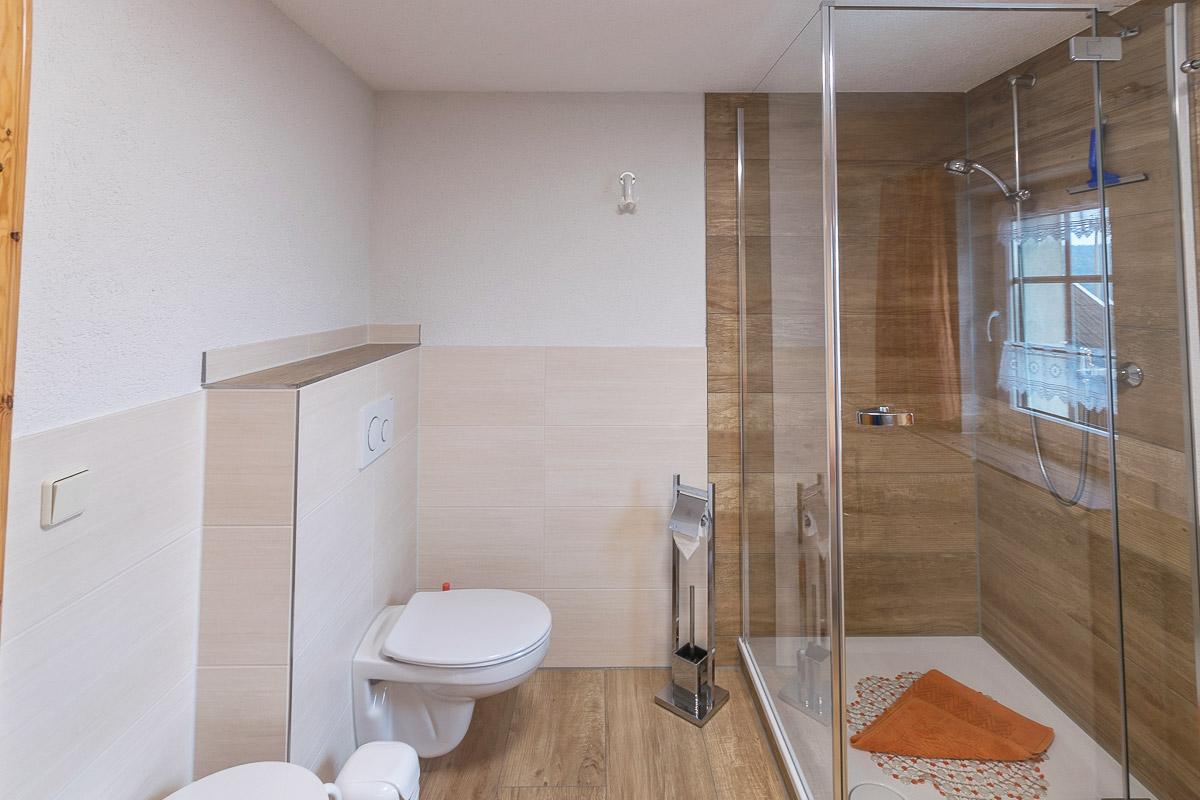 Ferienwohnung Lilienstein - Badezimmer2 mit Dusche und WC