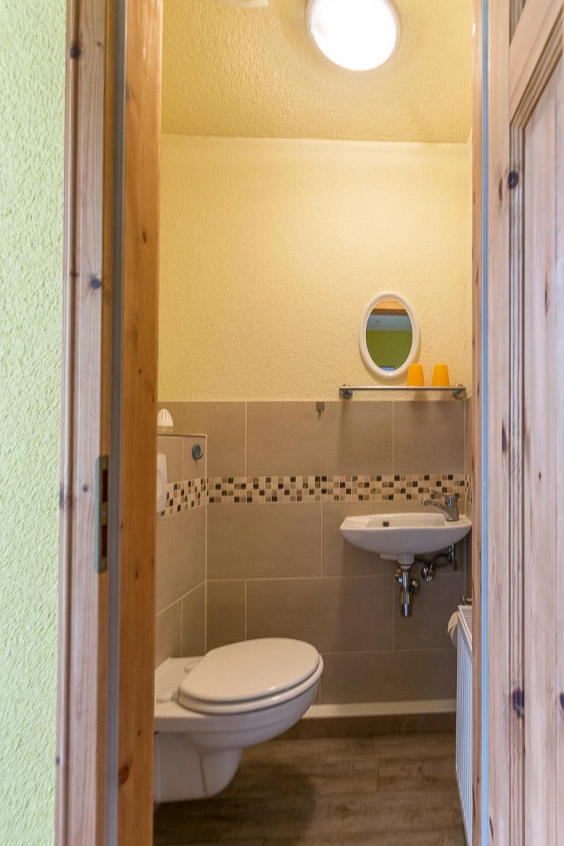 Ferienwohnung Papststein - Badezimmer separat mit WC